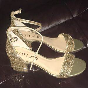 Unisa Dress gold shoes